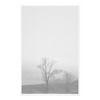 Efectos de escritorio brumosos de los árboles  papeleria