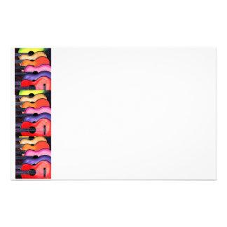 Efectos de escritorio coloreados multi de las guit personalized stationery
