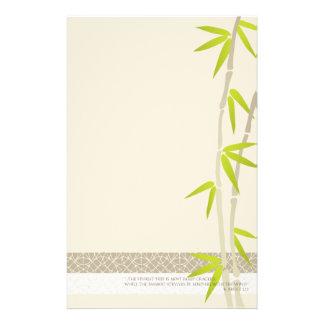 Efectos de escritorio de bambú del diseño papelería personalizada