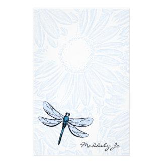 Efectos de escritorio de la libélula papeleria de diseño