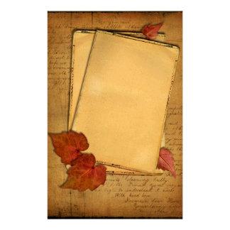 Efectos de escritorio de las hojas de otoño del papelería