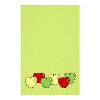 Efectos de escritorio de las manzanas  papeleria de diseño