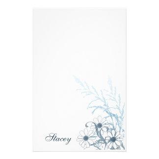Efectos de escritorio de las margaritas azules papelería de diseño