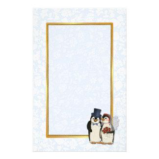 Efectos de escritorio del boda del pingüino papeleria de diseño