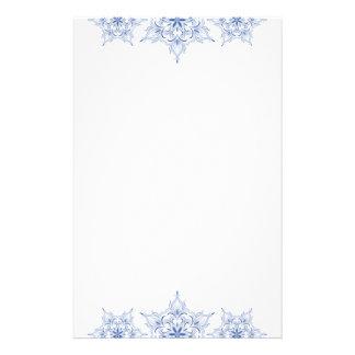 Efectos de escritorio del bonito del copo de nieve personalized stationery