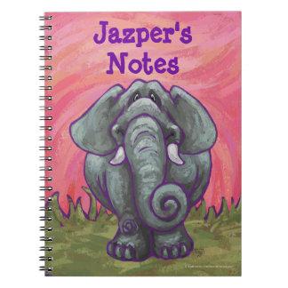 Efectos de escritorio del elefante cuaderno