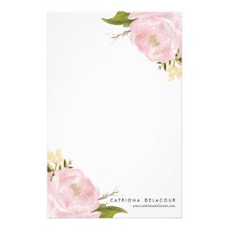 Efectos de escritorio dibujados mano rosada de los papeleria personalizada