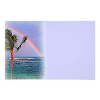 Efectos de escritorio hawaianos del arco iris  papeleria de diseño