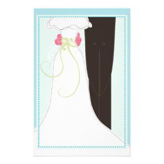 Efectos de escritorio lindos de novia y del novio papelería de diseño