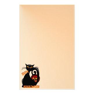 Efectos de escritorio negros del gatito y del papeleria de diseño