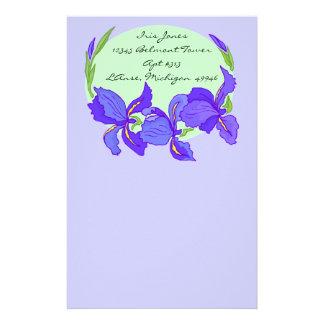 Efectos de escritorio púrpuras de la lavanda del i papeleria de diseño