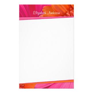Efectos de escritorio rosados anaranjados intrépid papeleria personalizada