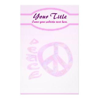 Efectos de escritorio rosados de la paz papelería