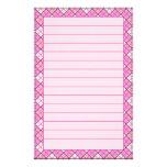 Efectos de escritorio rosados de la tela escocesa  papelería