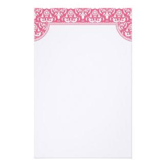 Efectos de escritorio rosados del boda del damasco papeleria personalizada