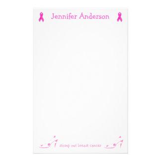 Efectos de escritorio rosados del cáncer de pecho  papeleria de diseño