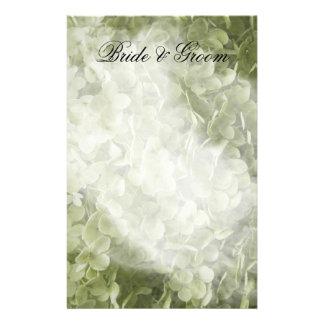 Efectos de escritorio verdes del boda del papeleria