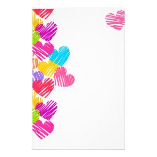 Efectos de escritorio vibrantes de los corazones papelería personalizada