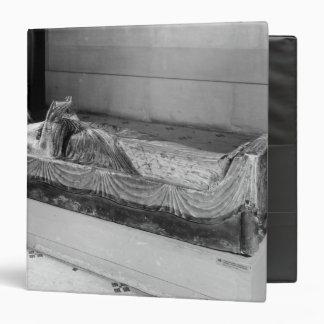 """Efigie de Eleanor de Aquitania Carpeta 1 1/2"""""""