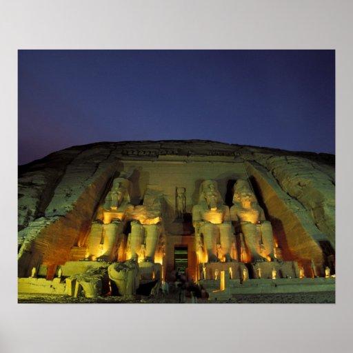Egipto, Abu Simbel, figuras colosales de Ramesses Póster