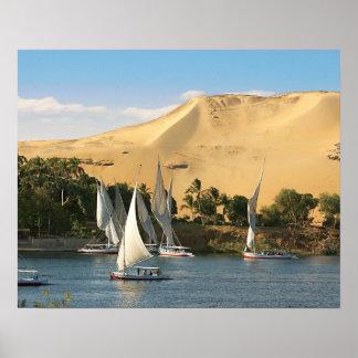 Egipto, Asuán, el río Nilo, veleros de Felucca, 2 Posters