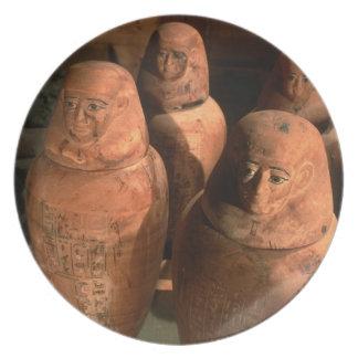 Egipto, los vigésimos sextos tarros de Canopic de  Platos