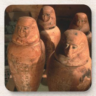 Egipto los vigésimos sextos tarros de Canopic de Posavasos