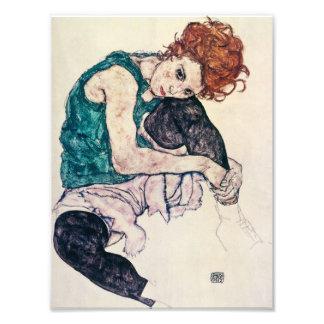 Egon Schiele asentó la impresión de la mujer Fotografías