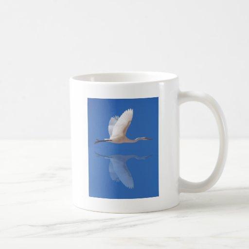 Egret flying coffee mug