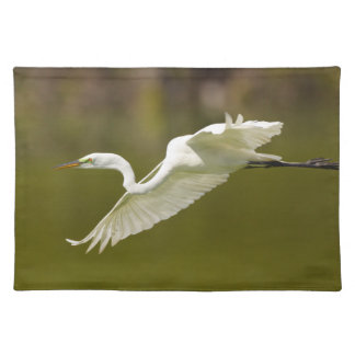 egret in flight cloth placemat