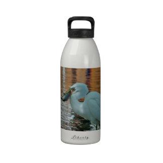 Egret y su captura botella de beber