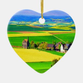 Eifel del paisaje de la violación de semilla ornatos