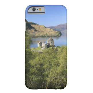 Eilean Donan Castle, Scotland. The famous Eilean Barely There iPhone 6 Case