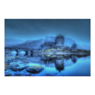 Eilean Donan Morning (borderless) Poster