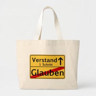 Ein Schritt vom Glauben zum Vestand Large Tote Bag