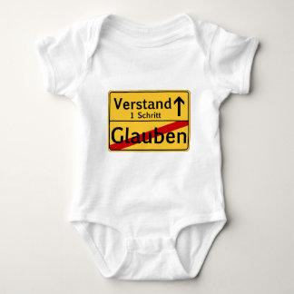 Ein Schritt vom Glauben zum Vestand Shirt
