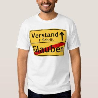 Ein Schritt vom Glauben zum Vestand Tee Shirts