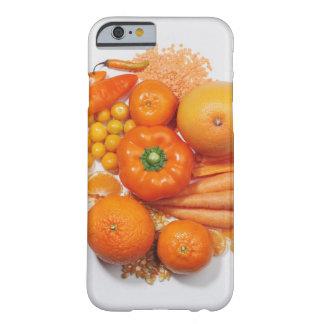 Eine Auswahl der orange Früchte u. des Gemüses Barely There iPhone 6 Case