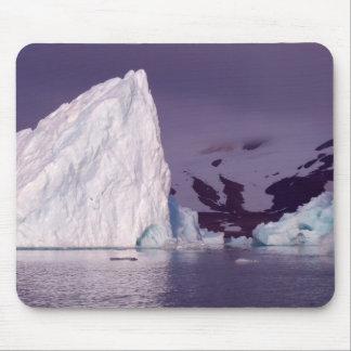 Eis berg in Svalbard Mouse Pad