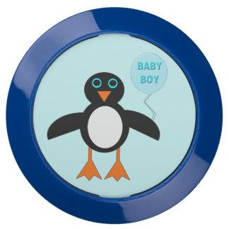 Eje azul lindo de la carga del pingüino del bebé