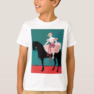 Ejecutante de circo del vintage con un caballo playera