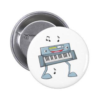 Ejecutante musical feliz del teclado pin