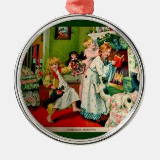 Ejemplo antiguo del navidad adorno redondo plateado