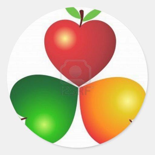 ejemplo-arte-corazón-manzana-con-aislante 8305463 pegatina redonda