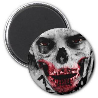 Ejemplo artístico del retrato del zombi imán redondo 5 cm