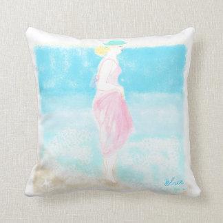 Ejemplo azul pilllow. del chica de la moda de la almohada