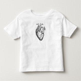 Ejemplo blanco negro simple del corazón de la playera de bebé
