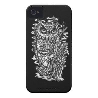 Ejemplo blanco y negro del búho del estilo del iPhone 4 Case-Mate cárcasas