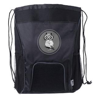 Ejemplo blanco y negro lindo del búho mochila con cordón ajustable