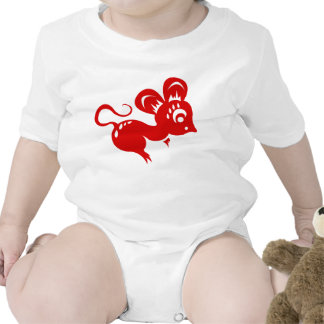 Ejemplo chino de la rata de la astrología traje de bebé